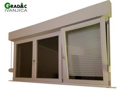Trokrilni drveni prozor, eurofalc 68, sa aluminijumskom roletom, stolarija Gradac, Ivanjica.