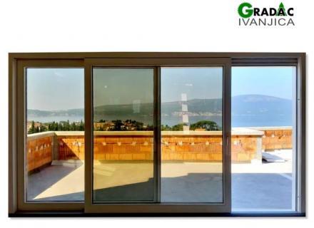 Staklena stena sa podizno kliznim vratima od drvo aluminijuma - Stolarija Gradac, Ivanjica.